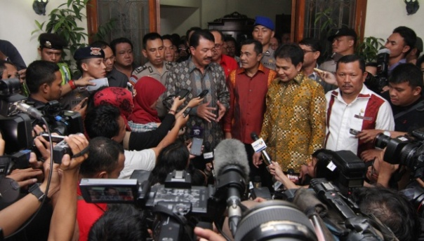 Budi Gunawan menjelaskan kepada wartawan pasca penetapan dirinya sebag