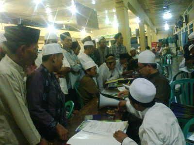 Suasana pendataran santri baru Pondok Pesanten Salafiyah Syafi'iyah Sukorejo