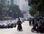 Meski Jadi Tontonan, Muslim Cina Laksanakan Sholat Idul Adha DenganKhusuk